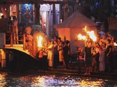 Ganga Aarti in Haridwar : A Magnificient experience of Ganga Aarti at Har Ki Pauri